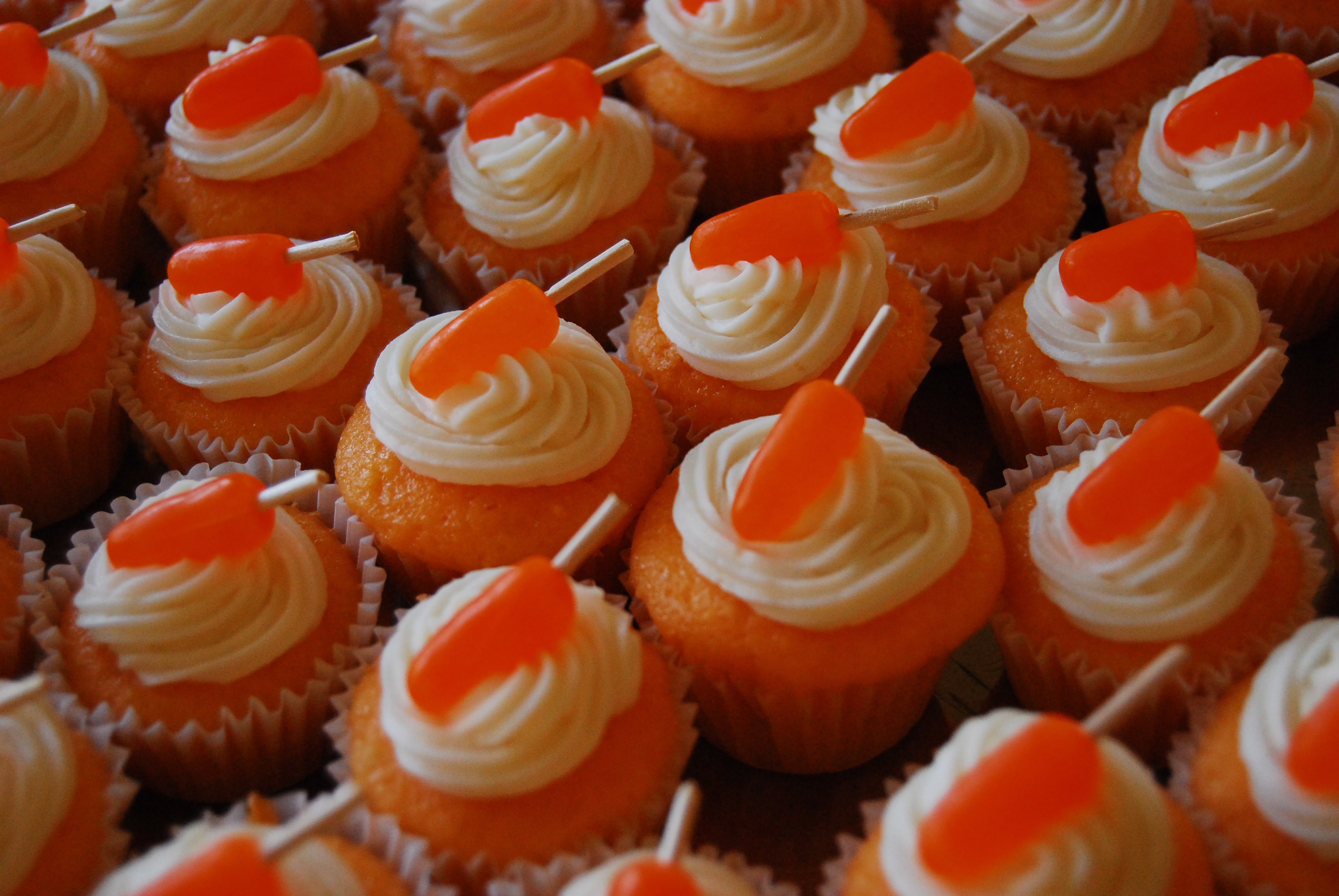 Creamsicle Cupcakes - Little Bits of...