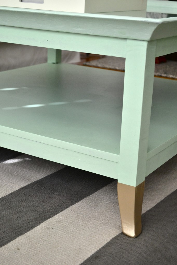 mint coffee table with gold feet a makeover little bits of. Black Bedroom Furniture Sets. Home Design Ideas