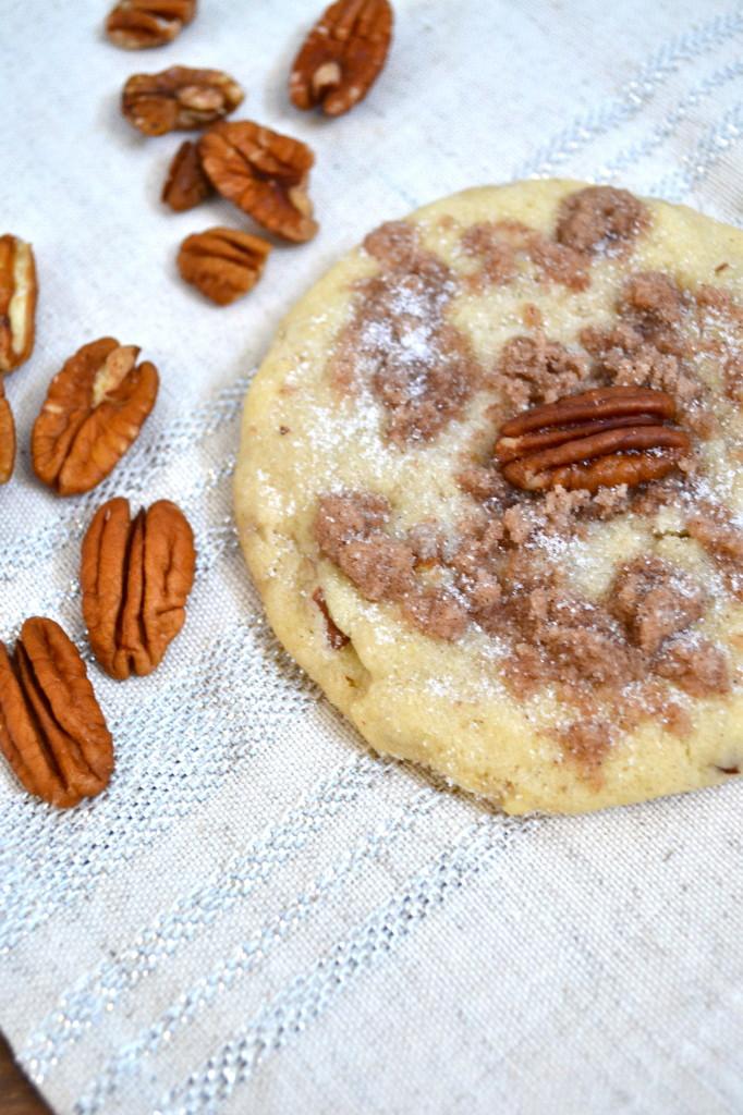 Cinnamon Crumb Pecan Sandies