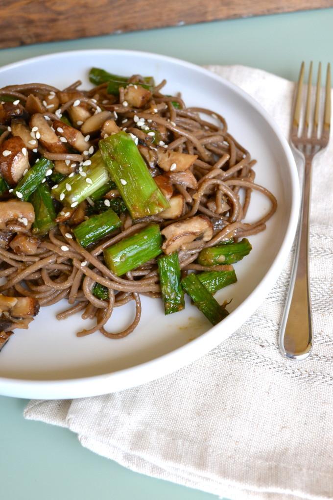 Miso Glazed Asparagus & Soba Noodle Salad - Little Bits of...