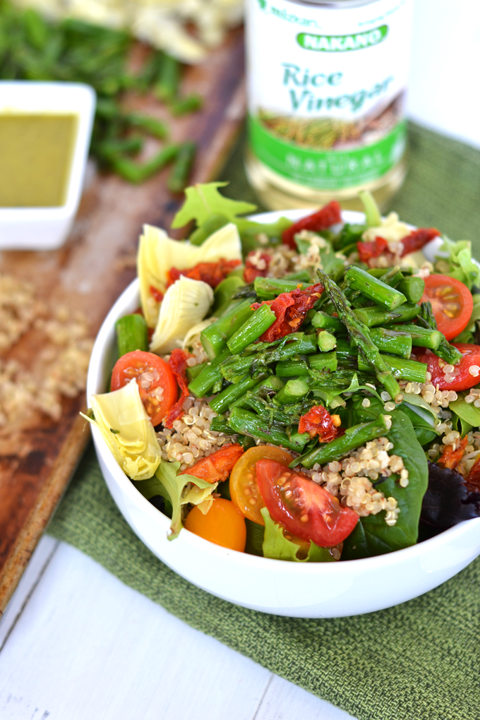 This Asparagus & Quinoa Salad with Pesto Vinaigrette is a simple and ...