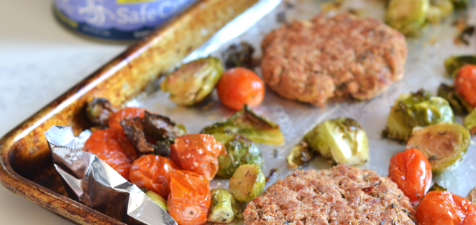 This One Pan Garlic Herb Tuna Cakes and Veggies recipe is a simple way to get a protein and nutrient packed meal in! Whole30 & Paleo with lots of flavor!