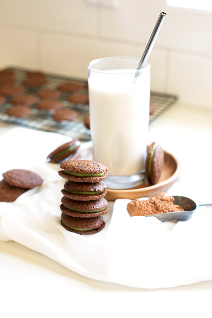 These Grain Free Chocolate Mint Sandwich Cookies are the perfect paleo treat that everyone will love!