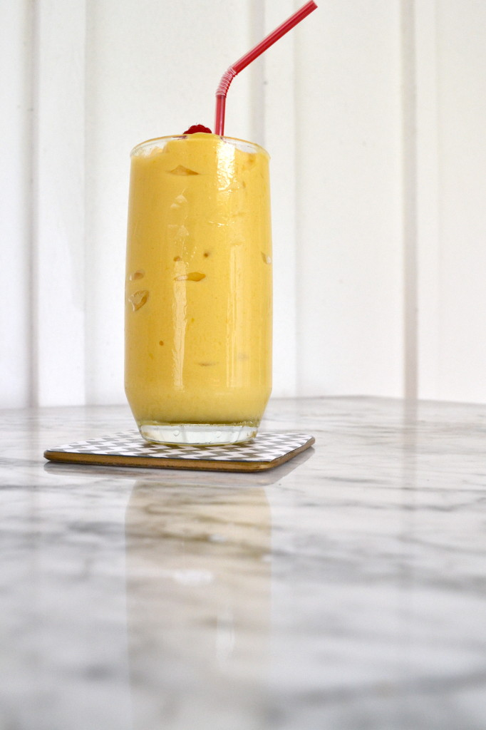 Mango Pineapple Smoothie (Dairy Free!)