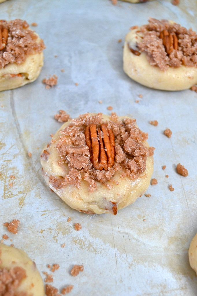 Cinnamon Crumb Pecan Sandies