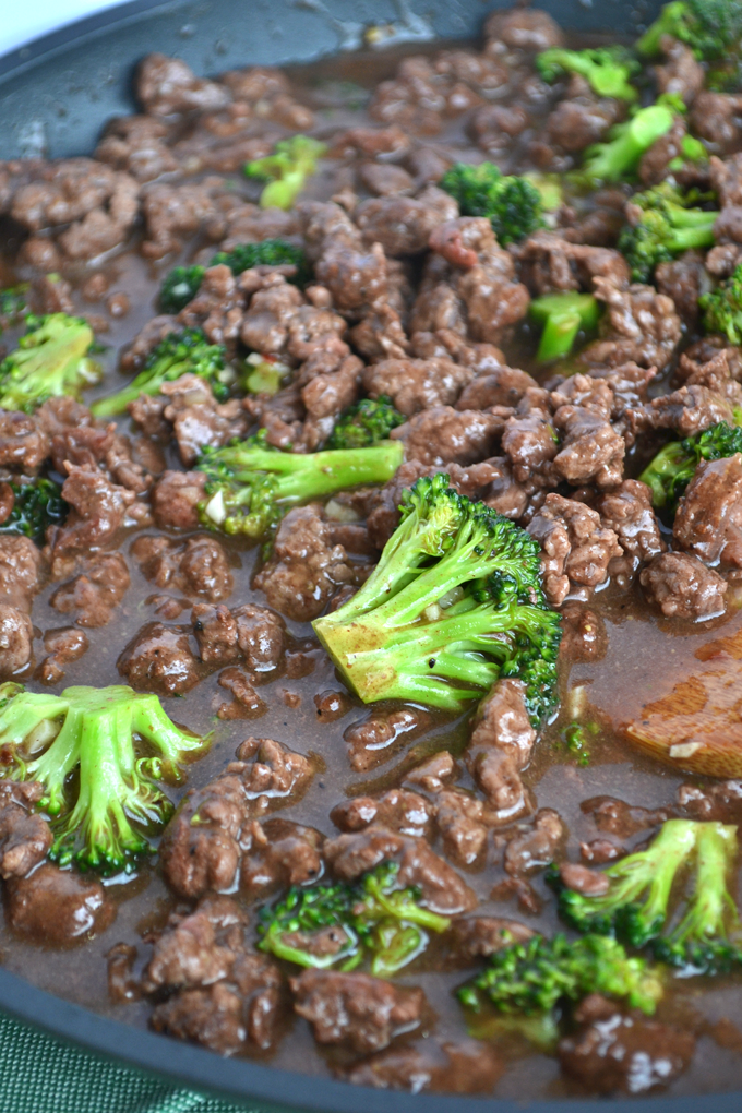 Five spice beef broccoli little bits of when you are craving chinese food on whole30 this five spice beef broccoli hits the forumfinder Image collections