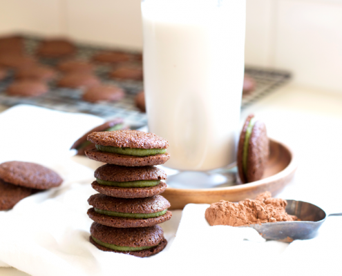 These Grain Free Chocolate Mint Sandwich Cookies are the perfect paleo treat - great for any time of the year! Dairy free and refined sugar free too!