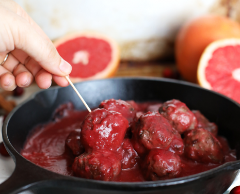 These Cranberry Grapefruit Meatballs are the perfect holiday appetizer for either thanksgiving or Christmas!