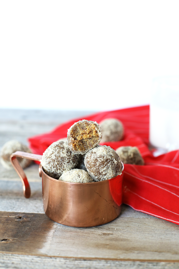 These gingerbread energy balls are the perfect way to celebrate the holiday season - post work out!