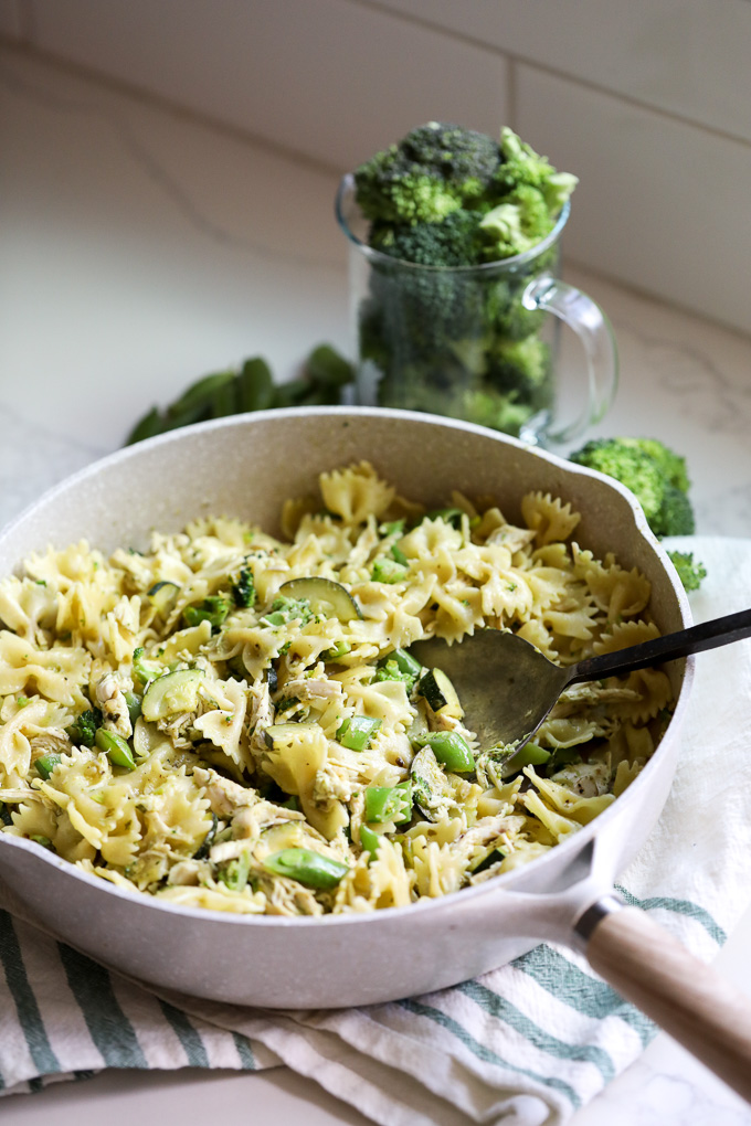 This Broccoli Pesto Chicken Pasta is the perfect veggie packed and light pasta dish for summer!