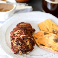 This Whole30 Garlic Herb and Apple Breakfast Sausage recipe is so delicious and easy to make for your Whole30! Prep ahead and freeze them as well!