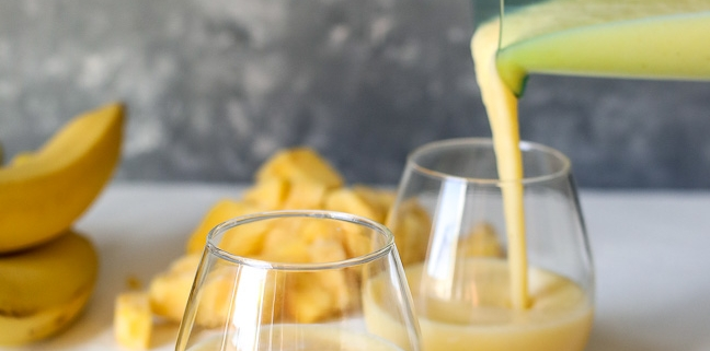 This Blended Pineapple Rum Punch is a healthy cocktail that is great for summer time!