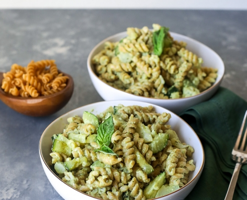 This One-Pot Creamy Pesto Pasta with Veggies is an easy weeknight meal that the whole family will love!