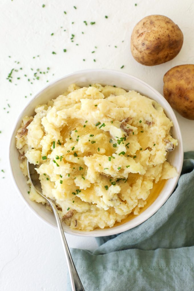 These Dairy Free Garlic Mashed Potatoes are super easy to make and are the perfect side dish for any meal!
