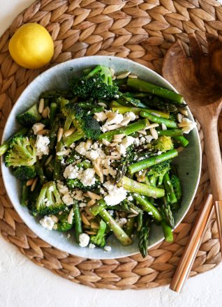 This Lemon Spritz Asparagus & Broccoli is perfect for any side dish but great for easter!